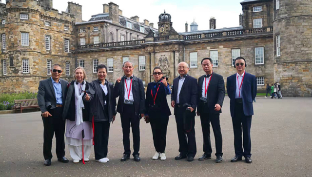 Edinburgh, Jiaozuo Officials visit Holyrood House